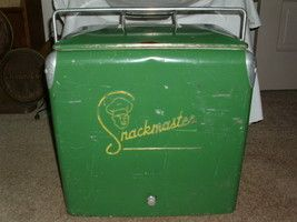 Vintage Metal Cooler/ Ice Chest Snackmaster Great Condition