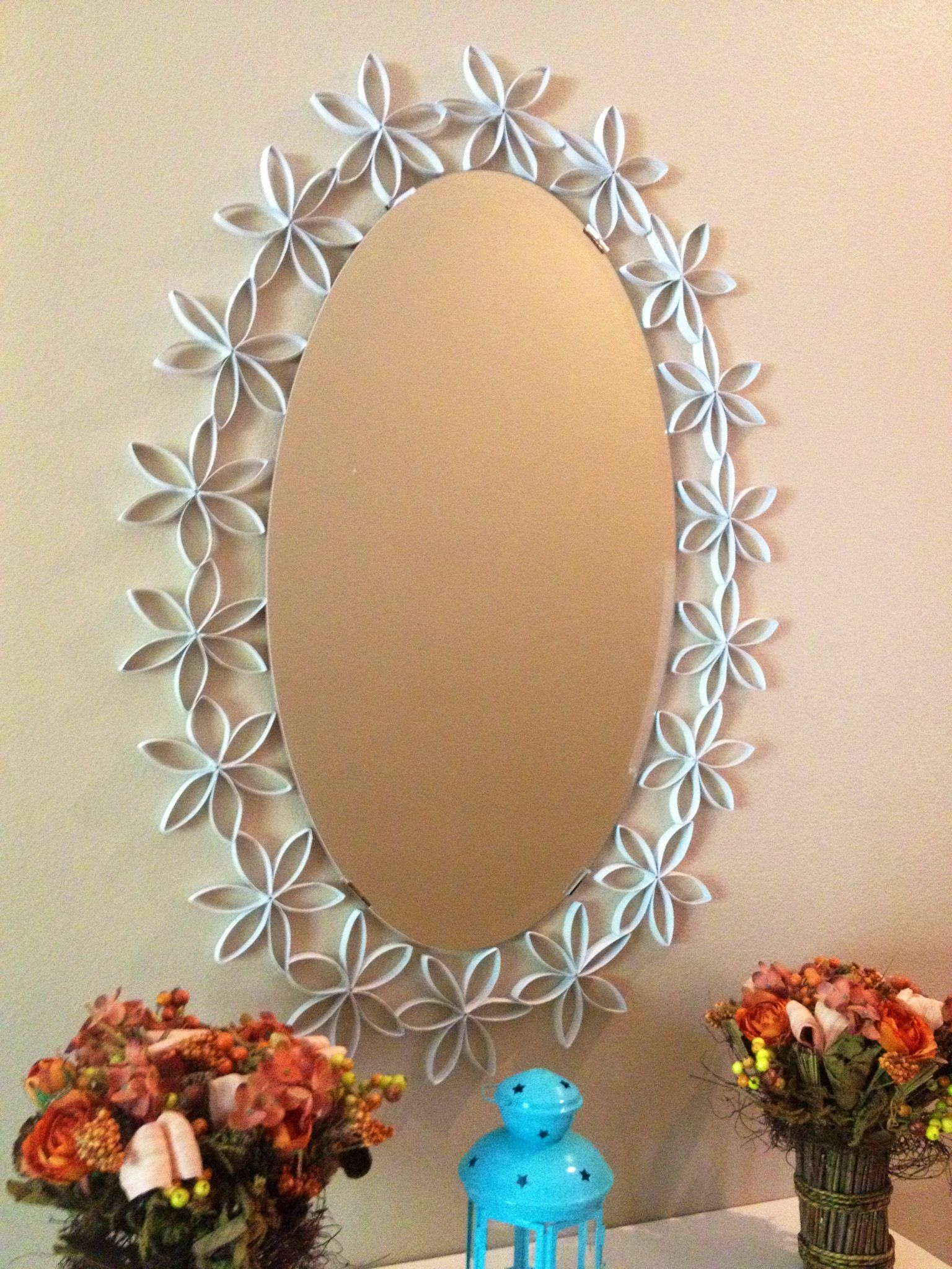 Mirror Border Made Of Tissue Paper Rolls Cut In 12