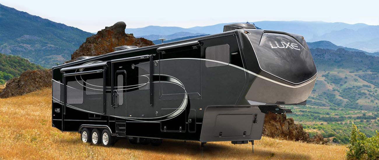 Luxe Rv By Augusta Luxury Fifth Wheel Fifth Wheel Campers