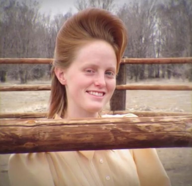 Teresa Jeffs Daughter Of 1st Wife Annette Barlow Smiles At The