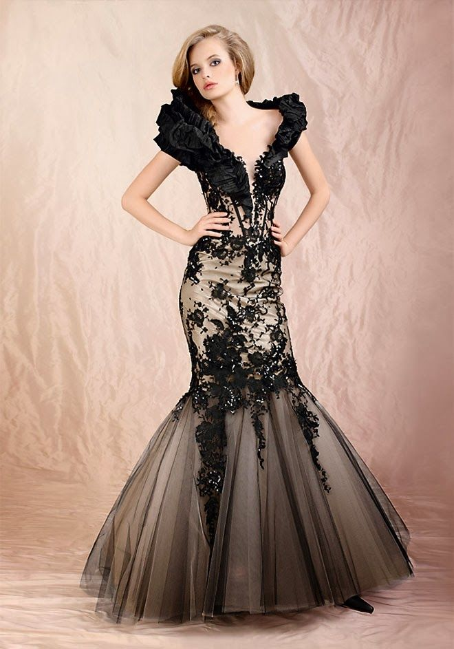 With Black Lace Mermaid Wedding Dress with Straps