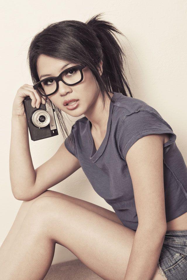 hot-asian-girls-in-glasses