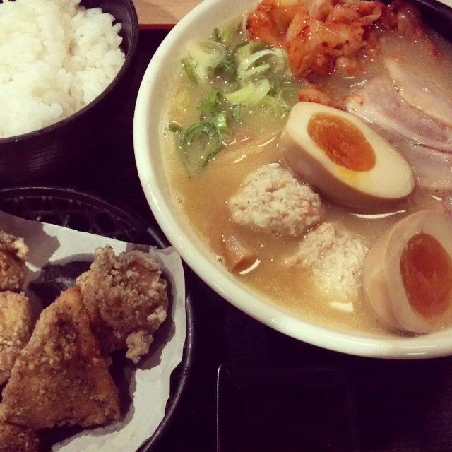 肉麺男子の麺日記! 京都の横綱ラーメンプロデュース からあげ+ライスつき 麺屋もり!いい感じです(^O^) #コンビニ研究家 #ラーメン #からあげ #肉