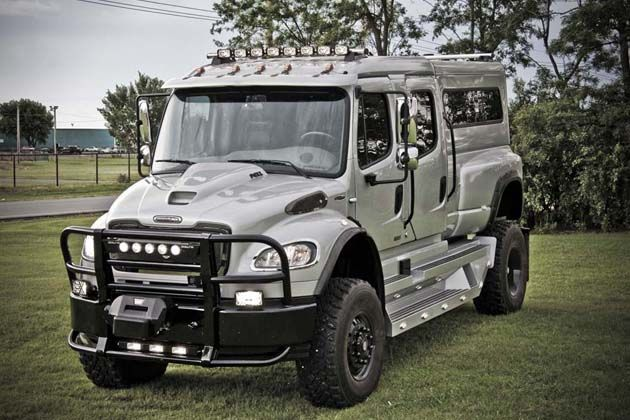 Freightliner M Have This Truck With The Western Hauler - Sport vehicles