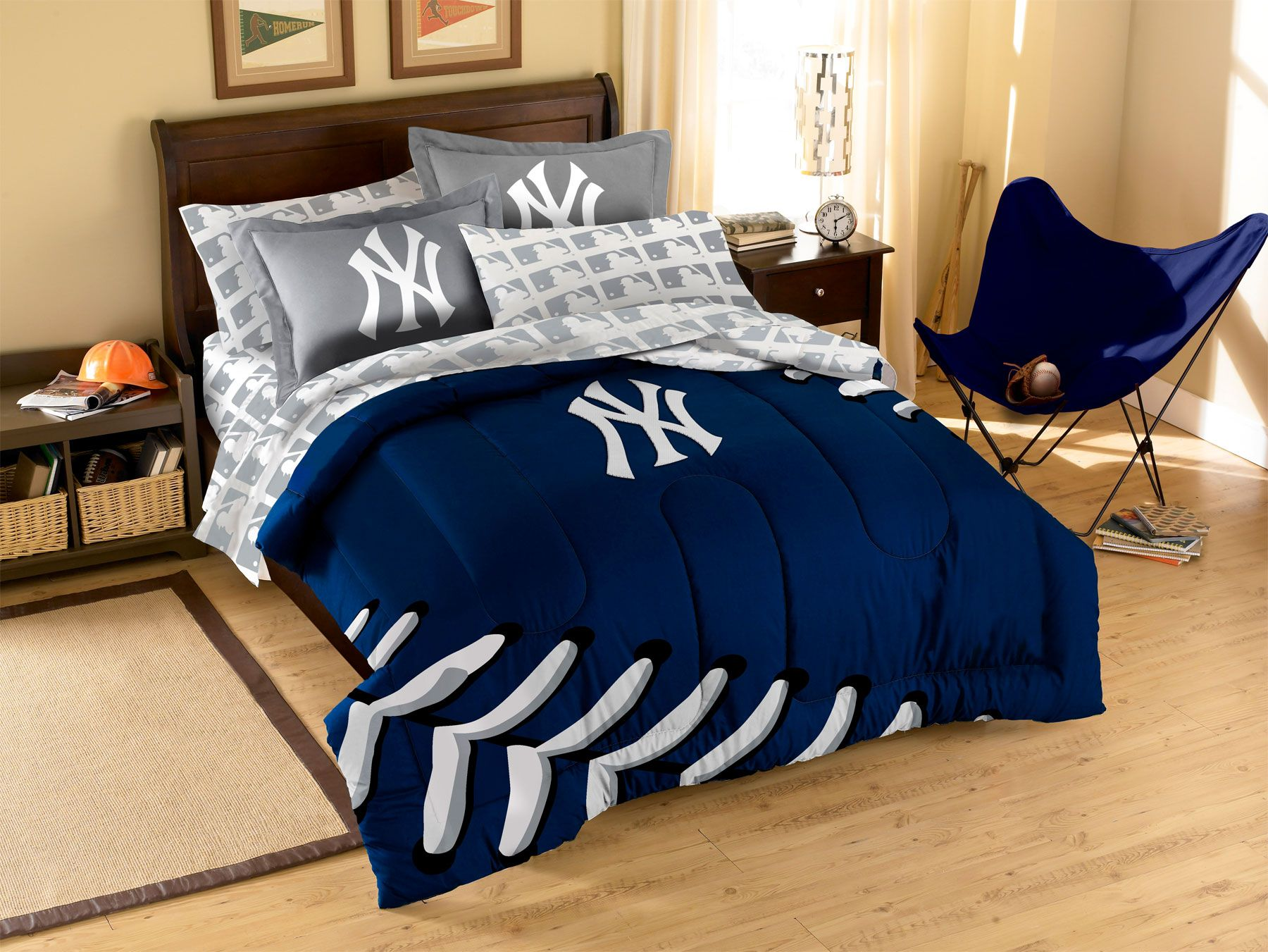 MLB New York Yankees Plush Throw Blanket | Bed in a bag ...