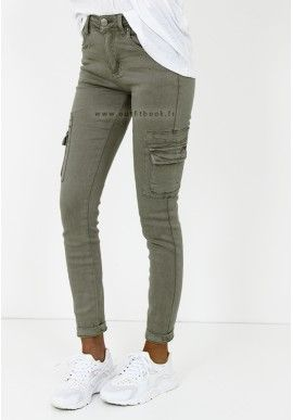 Pantalon kaki avec poches - Outfitbook   mode   my dress code ... f427dfec4492