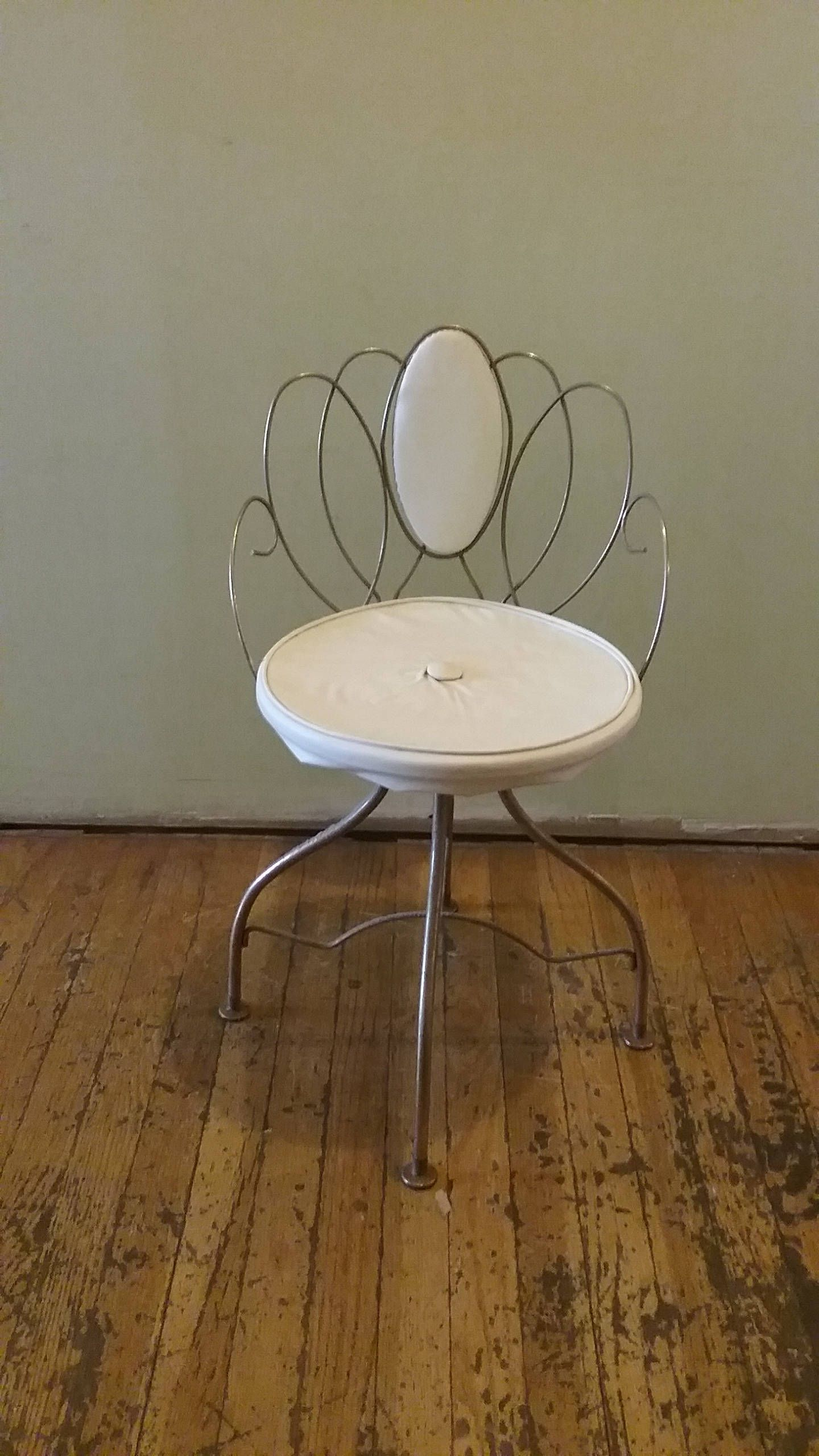 Couchtisch Granny Vintage Vanity Chair Lakewood Chicago Vintage Metal Chair Fancy