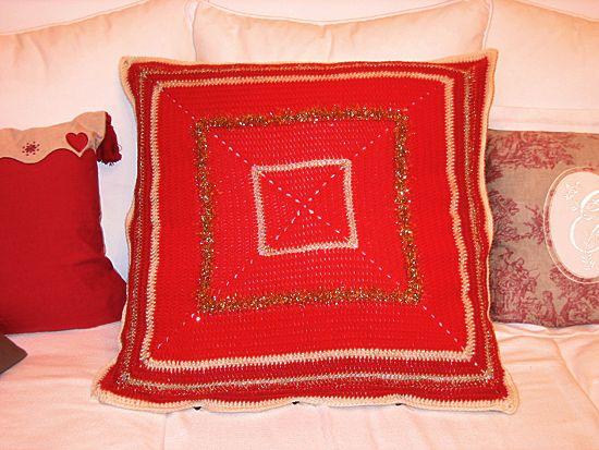 crochet christmas pillow