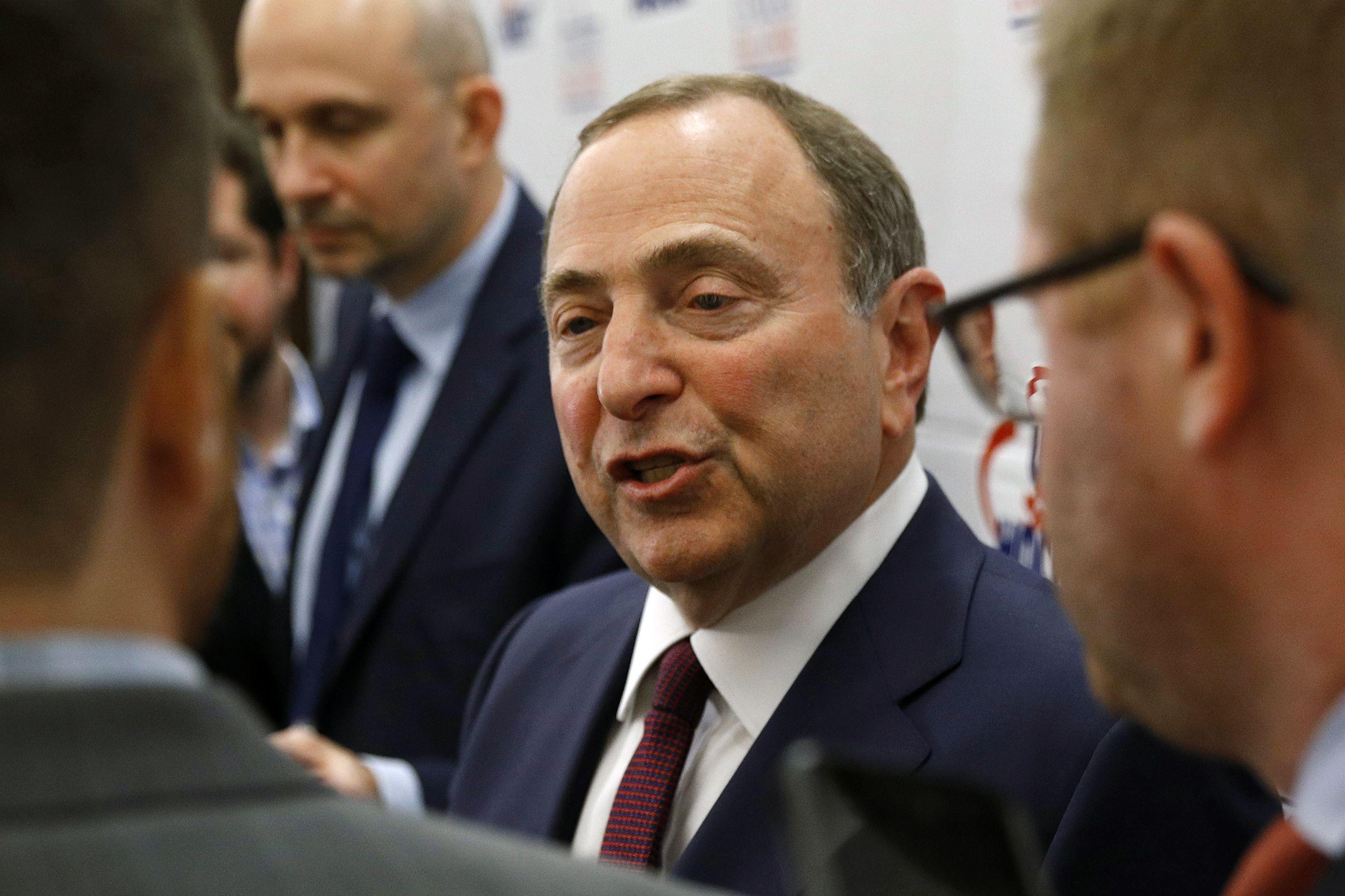 Pin on NHL, NHLPA agree on protocols to resume season