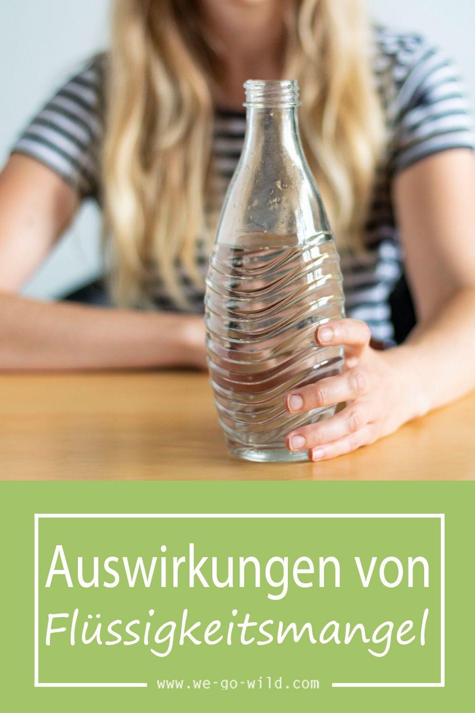 Achtung: Zu wenig trinken ist sehr ungesund und kann große gesundheitliche Folgen haben. Erfahre hier die Folgen und Symptome! #wasser #trinken #gesundheit