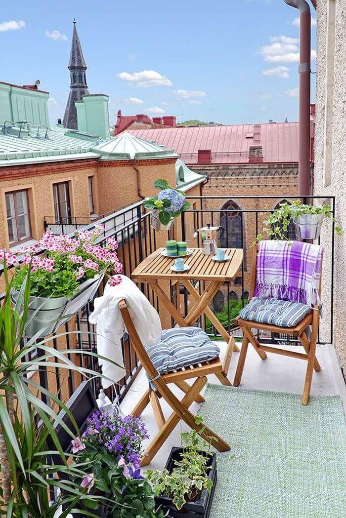 38 Popular Summer Balcony Decorating Ideas