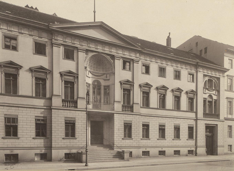 Friedrich Wilhelm Titel (1754-1840) Ehemaliges Militärkabinett, Behrenstraße 66, Berlin-Mitte,  Heinrich Lichte & Co. (als Fotograf/in), 1792, (historisch: Behrenstraße 66)