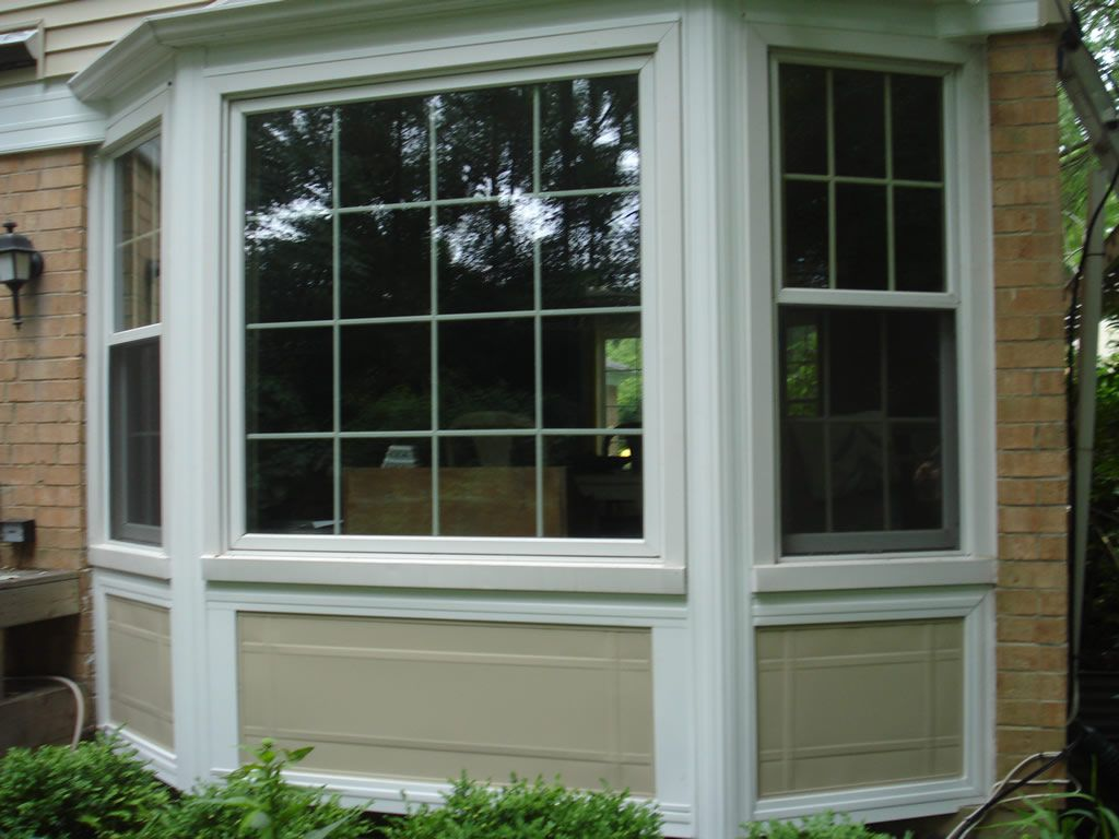 Bay window styles exterior vinyl siding bay window for House front window design