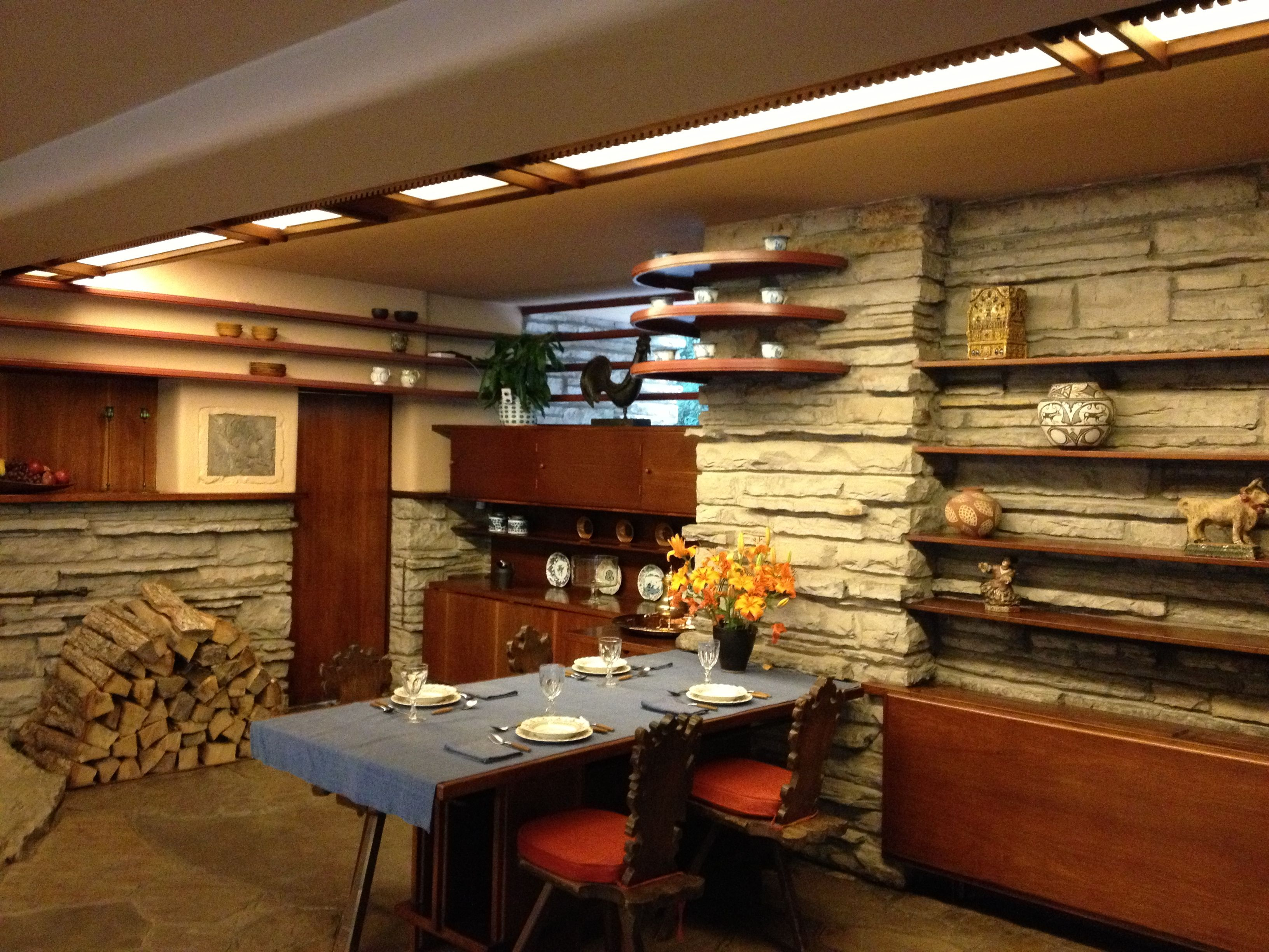 Frank Lloyd Wright Falling Water Interior House Ideas