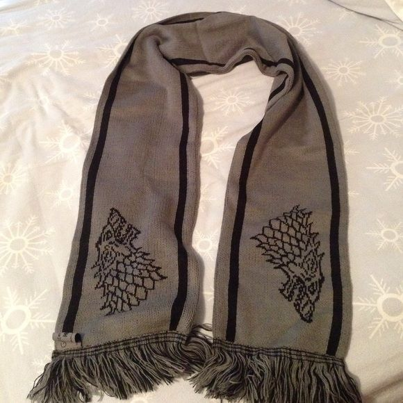 Authentic GAME OF THRONES Stark Winter Is Coming Knit Scarf NEW