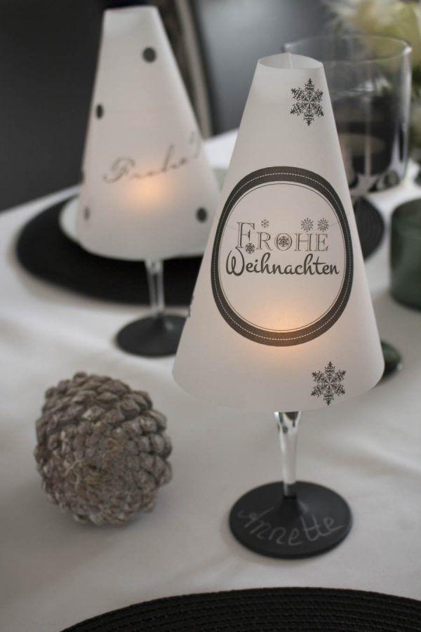 DIY Tischlämpchen aus einem Weinglas für die Weihnachtstafel #tischdekorationweihnachten