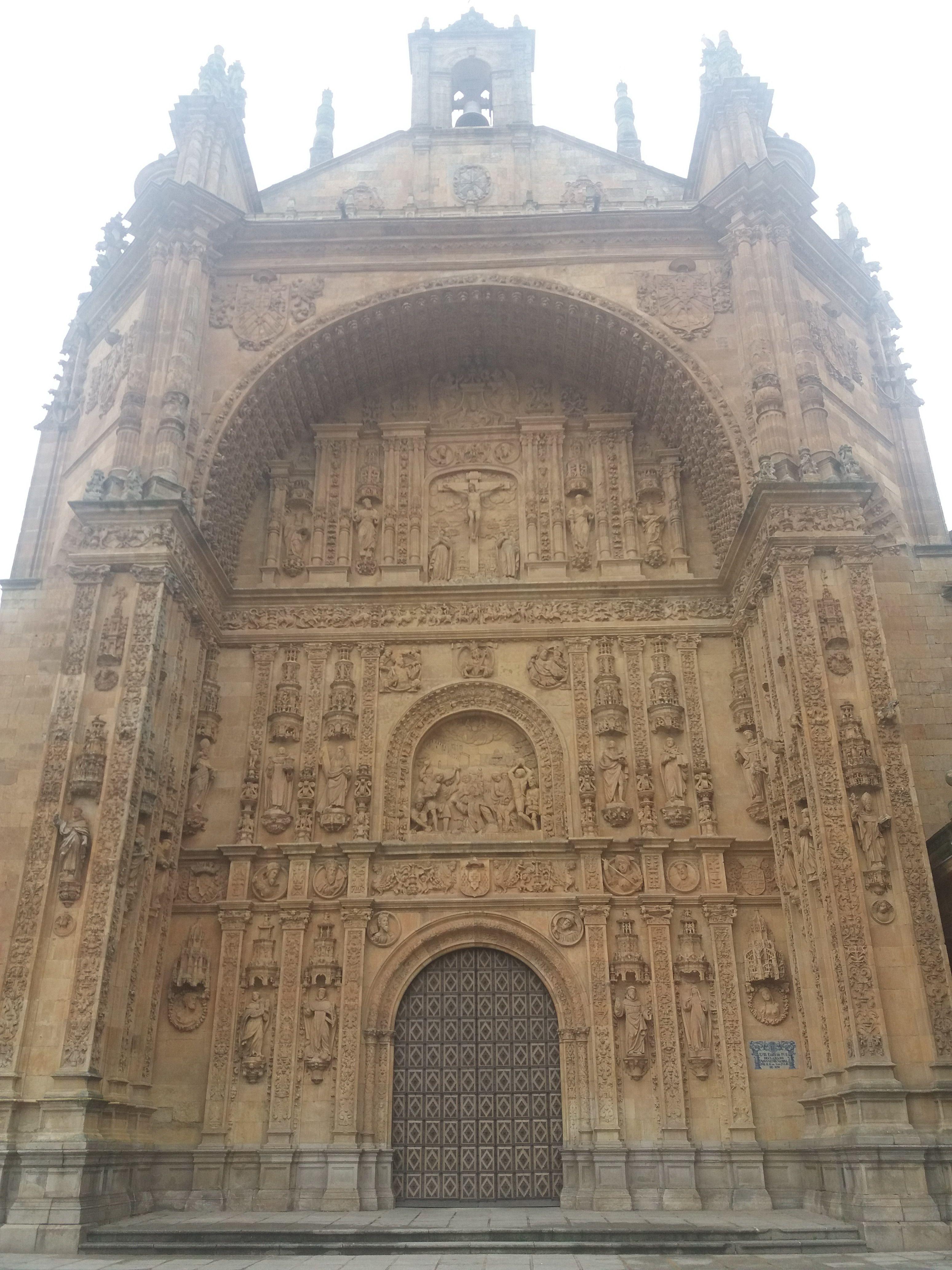 Fachada del convento dominico de san Esteban de Salamanca. Trazada ...