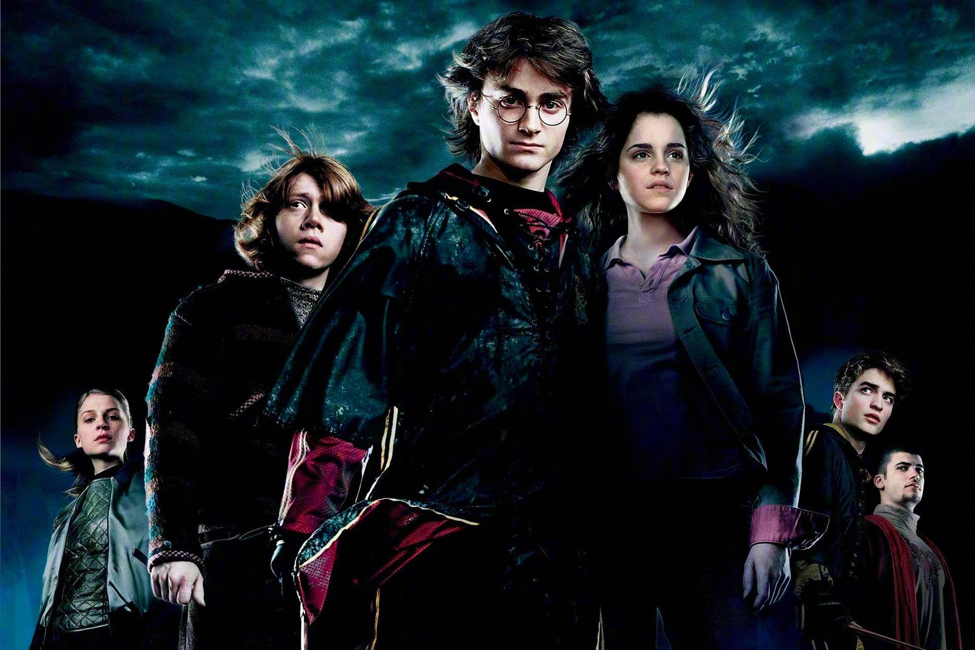 8 Movies Like Harry Potter To Watch That Are Full Of Magic Fantasy I Am Co In 2020 Harry Potter Collection Harry Potter Films Deathly Hallows Part 2