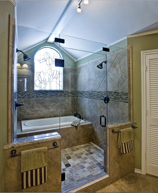 This One Bathtub In The Shower And 2 Shower Heads But Add A Bench Seat Under One Of The Showers Home Shower Cabin House