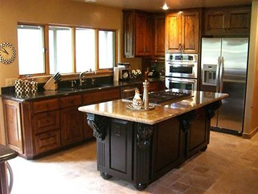 Different color top and bottom kitchen cabinets for Different kitchen colors