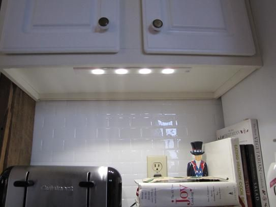 Ge 12 In Led Wireless Under Cabinet Light 17446 The Home Depot Under Cabinet Lighting Wireless Under Cabinet Lighting Cabinet Lighting