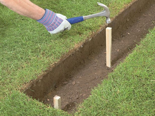 Superieur How To Build A Brick Garden Wall : How To : DIY Network