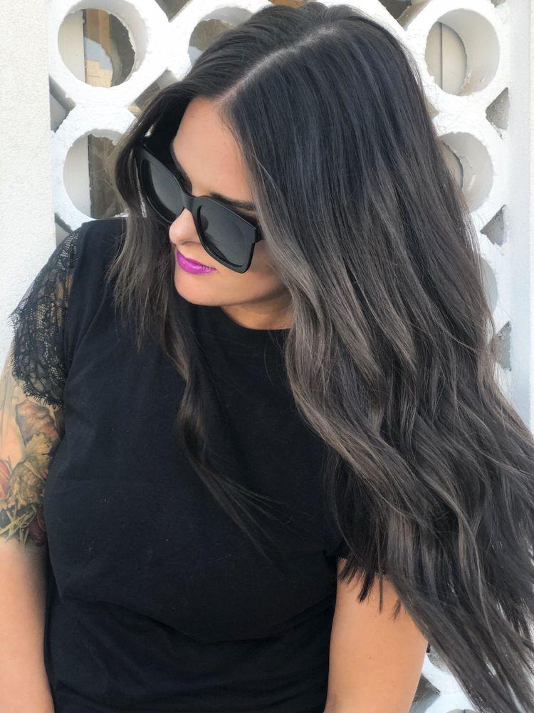 #Schwarze Haare mit grauen Strähnchen färben aufhellen