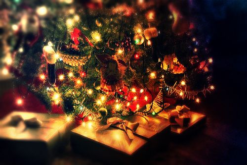 can't wait to have my christmas tree and presents under it this year #tree #christmastree #christmas #lights #presents #festivepic