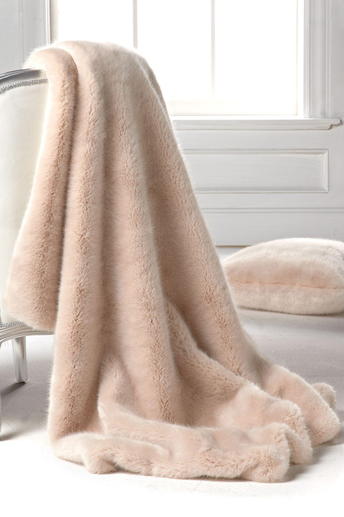 Limited Edition Large Faux Fur Throw Blush Mink Donna