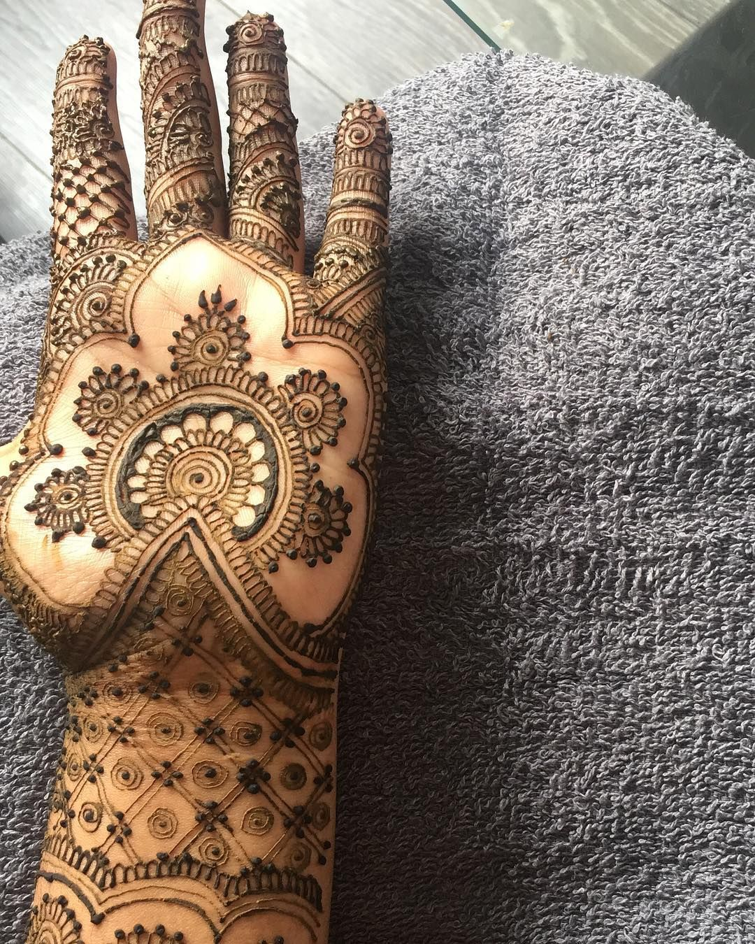 Now taking bookings for 2018/2019  For bookings and enquiries email at  akenquiries@yahoo.com or  Whatsapp on 07464615152  Also when enquiring mention the  date and  location of where the henna is getting done  I prefer brides to get their henna done at least 2 days before their wedding/function.  #mehndi #hennatattoo #hennalookbookin #henna #design #hennainspire #hennaartist #mehandi #pakistan #mendi #paisley #flower #art #lookamillion #mummillion #dollhousedubai #hudabeauty #monakattan #pakistaniwedding #pakistanibrides #indian #bridalhenna #partyhenna @hennainspire @hennalookbookin @hudabeauty @monakattan @alyakattan @dollhousedubai #lookamillion #mummillion #mehndis #mehndibride #mehndiparty #mehndinight #inspiration #bradford #uk