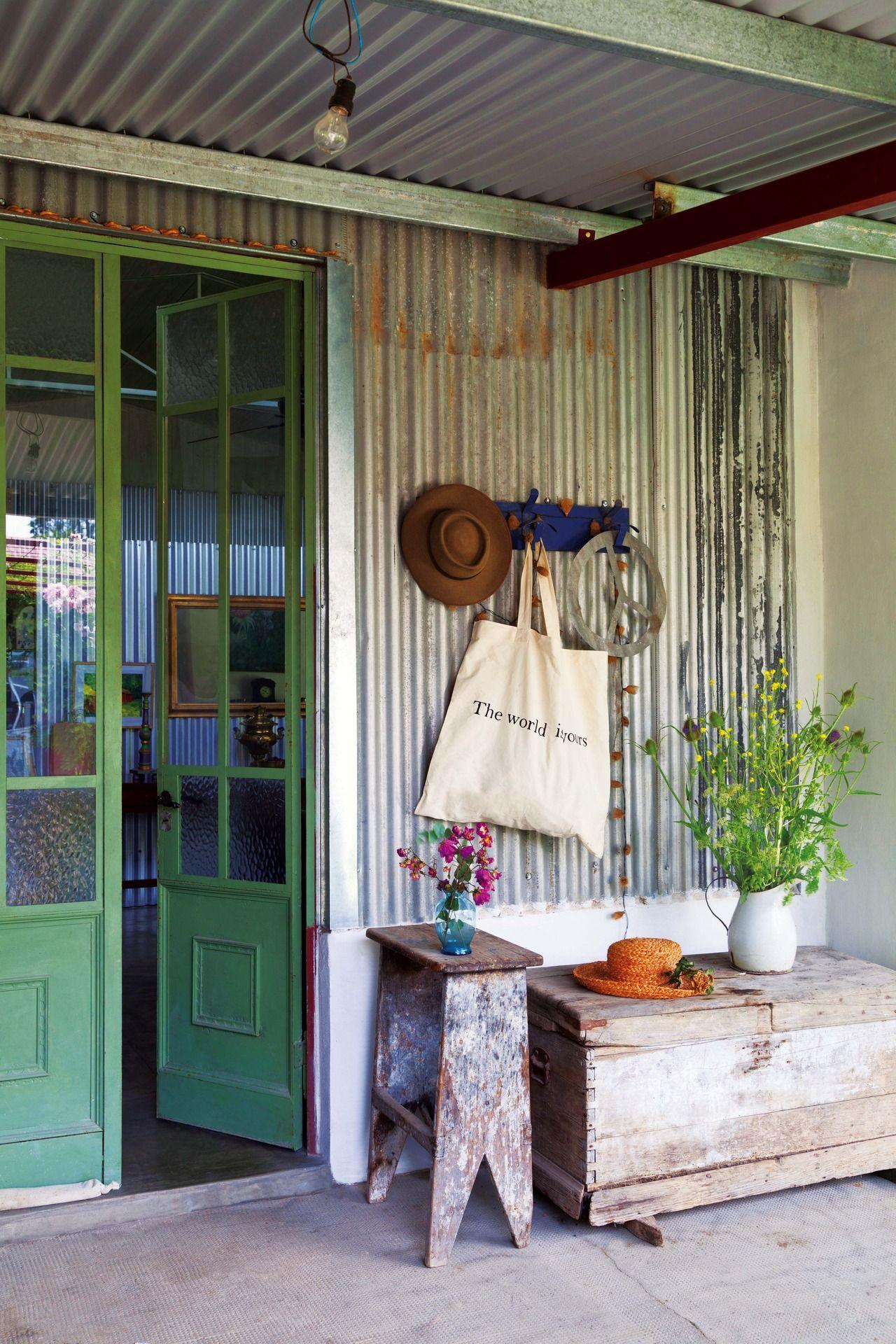 Una casa con la belleza de lo heredado vamos afuera for Decoracion casas de campo pequenas