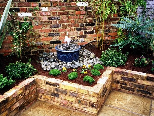 Small Water Features In A Raised Bed   Google Search