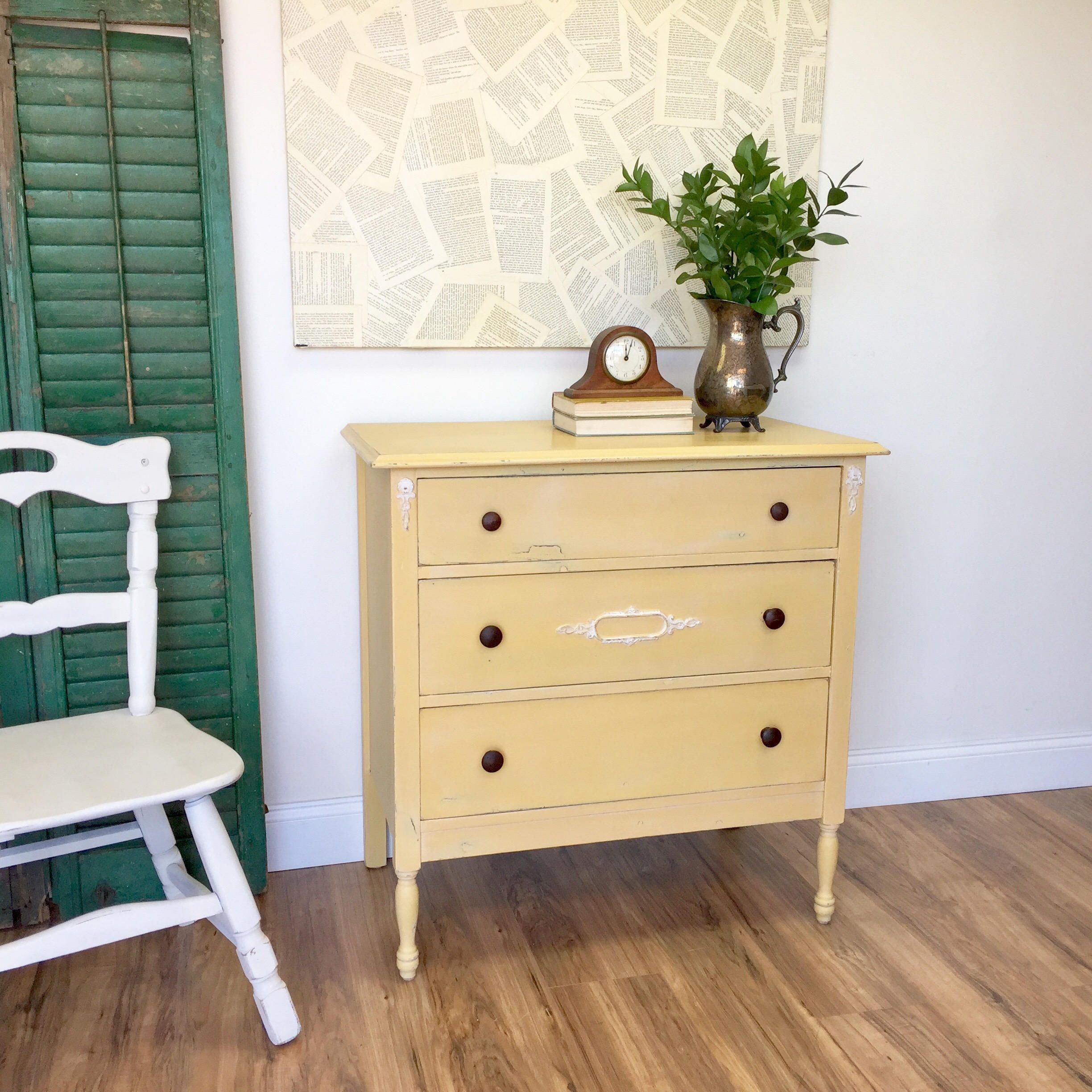 Farmhouse Dresser Antique Chest of Drawers, American
