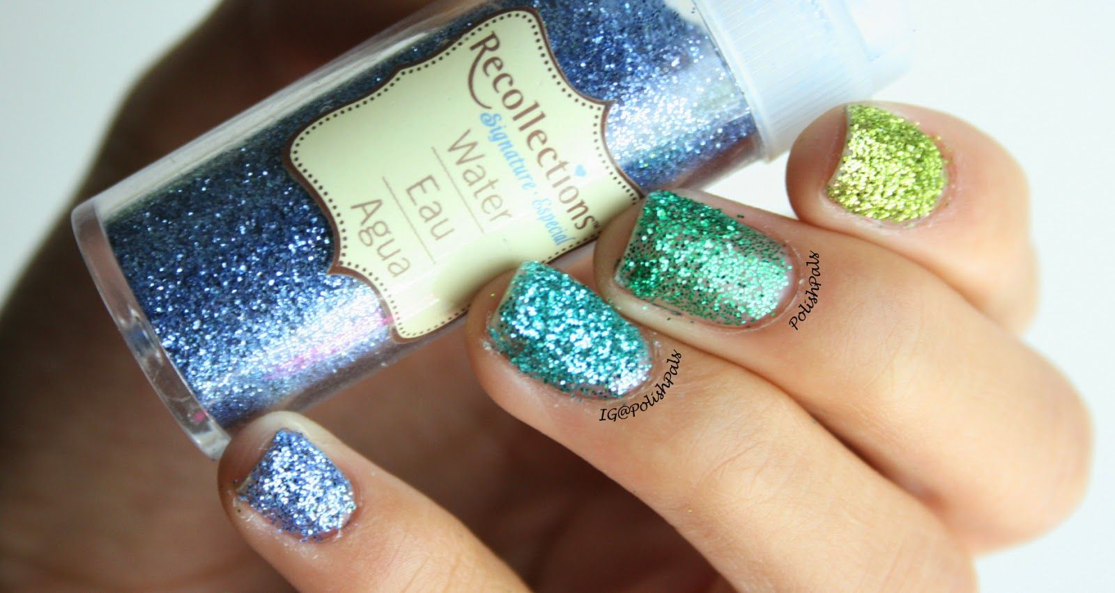 Nail Polish With Loose Glitter - To Bend Light