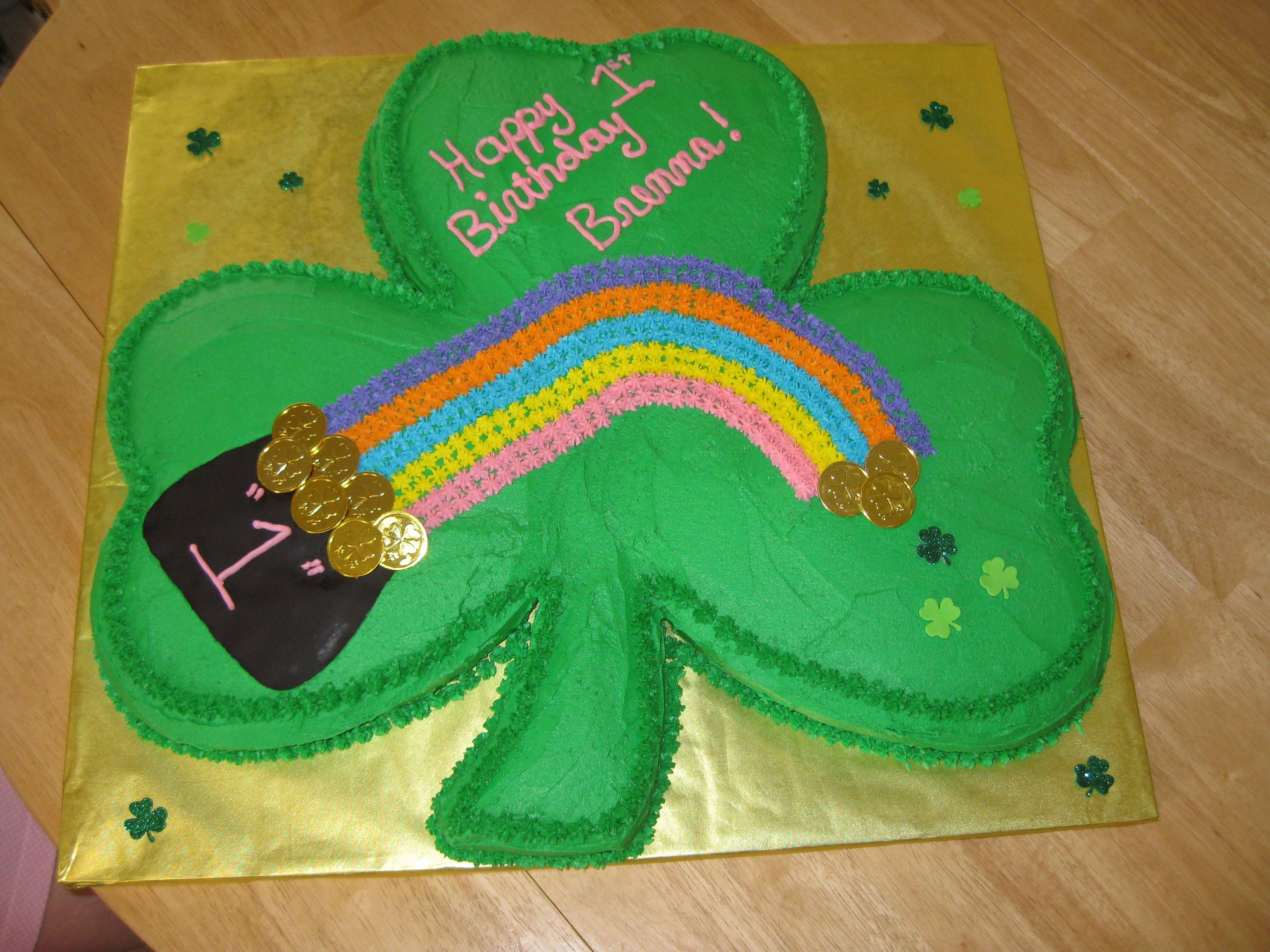shamrock cake i used three heart shaped cakes and a loaf pan to make the stem i had to cut it. Black Bedroom Furniture Sets. Home Design Ideas