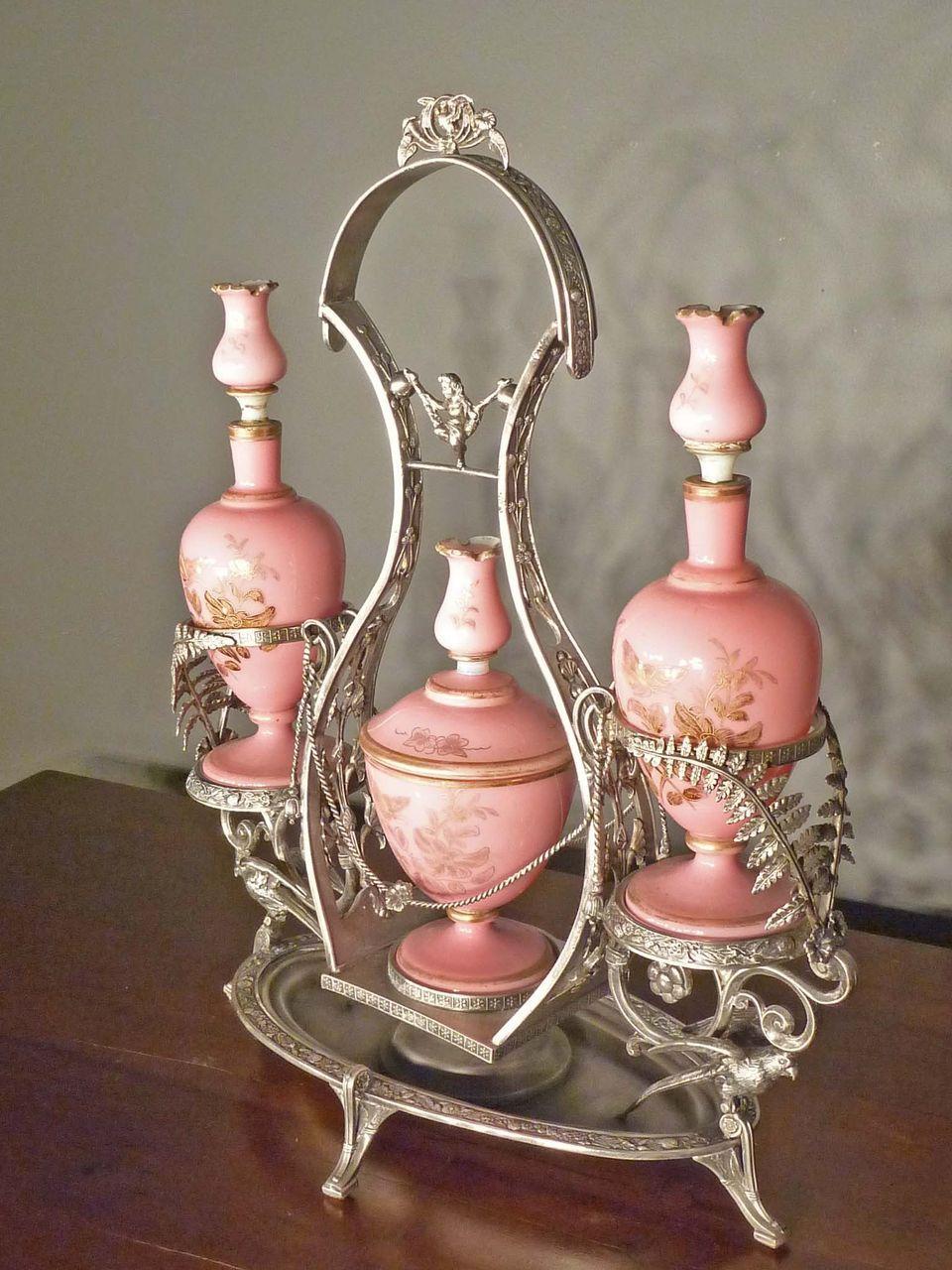 ägyptisches badezimmerdekor victorian dresser set  vanity set  pinterest  dekorative flaschen