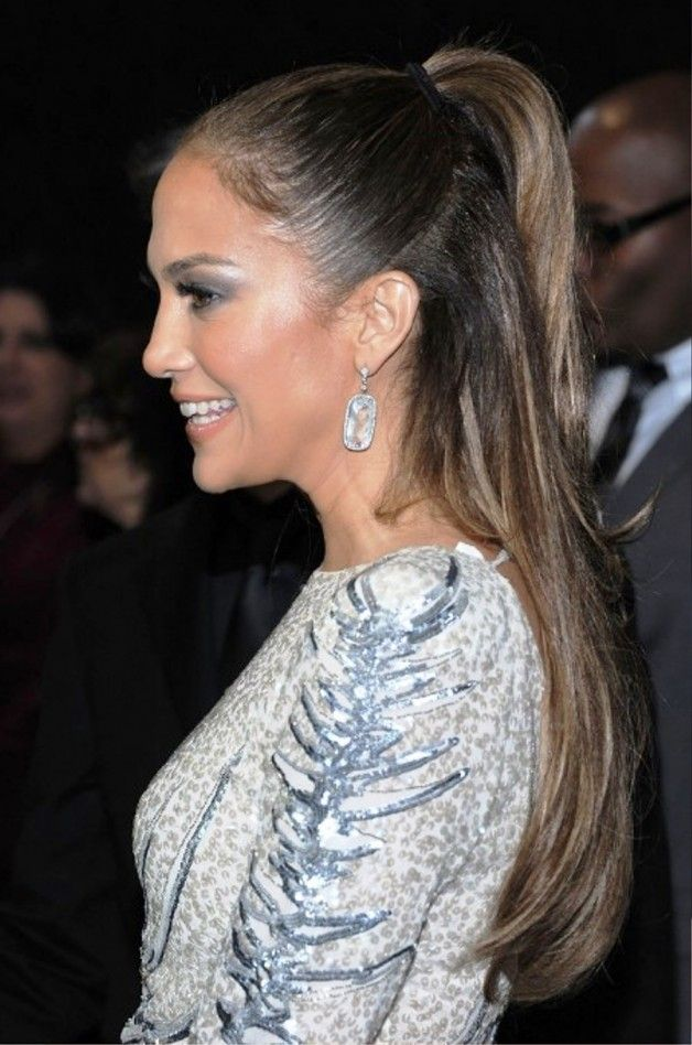 Jennifer Lopez Half Up Half Down Ponytail Hairstyle Hairstyles To
