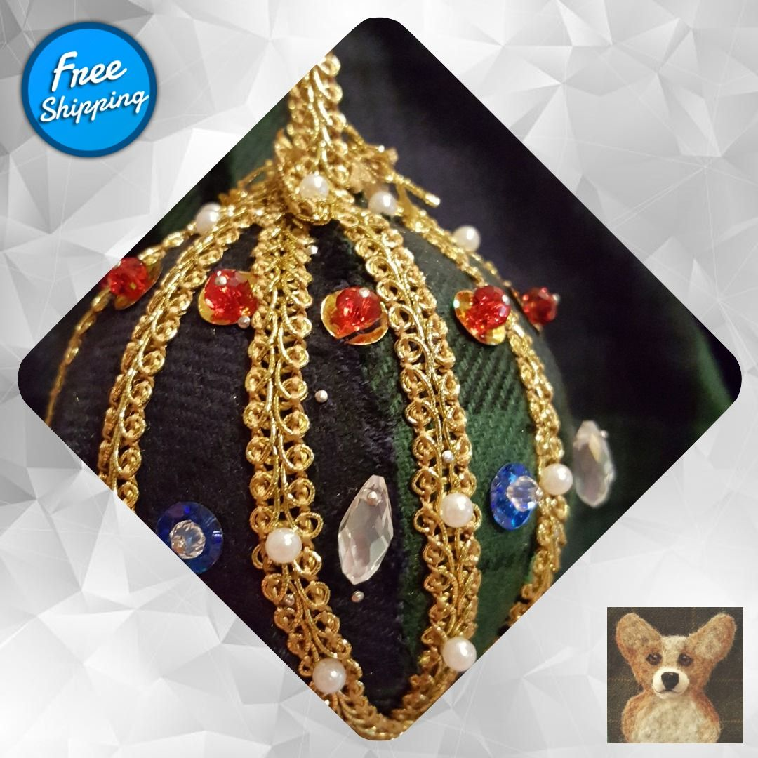 Black Watch Ornament #Round #ChristmasOrnaments #GiftForFriend #SwavorskiCrystal #ScottishGifts #PlaidGifts #Scotland #HousewarmingPresent #BlackWatchPlaid #ChristmasBalls