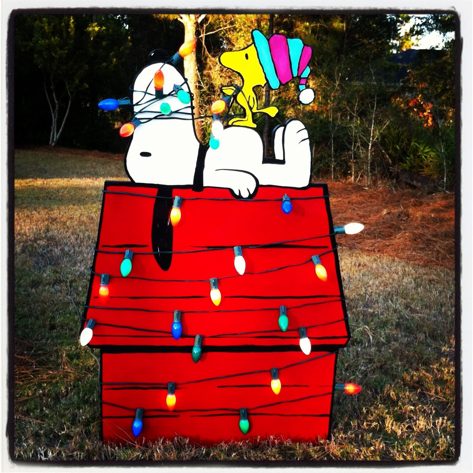 Snoopy outdoor christmas decorations - Snoopy And Woodstock Christmas Cutout