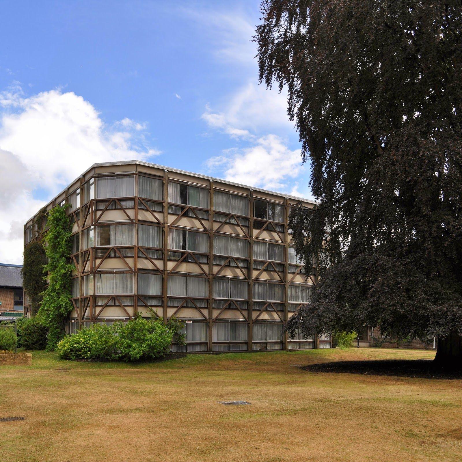 Alison Peter Smithson Garden Building Sta Hilda S College