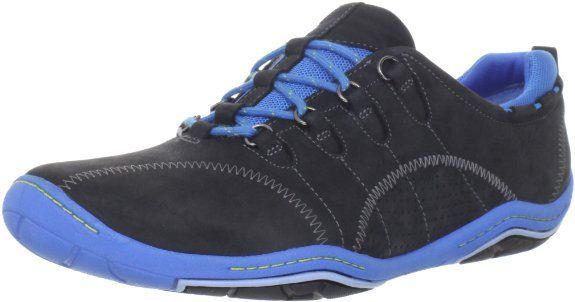 4d1ff25edd25 Amazon.com  privo Women s Freeform Sneaker  Shoes · Clark ...