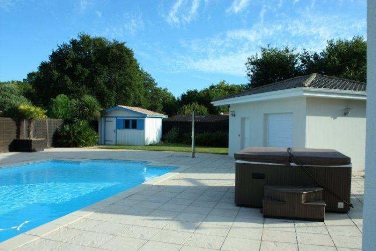 VENTE BELLE VILLA RECENTE 9 PIECES 245 M2 AVEC PISCINE LEGE CAP - location maison cap ferret avec piscine