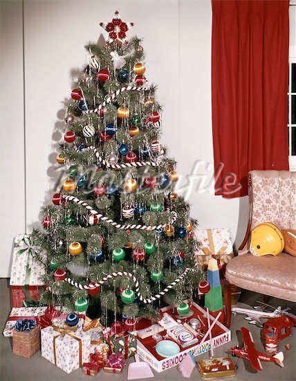 70s Christmas.1960 S 70 S Christmas Tree Maybe Without Tinsel Because Of