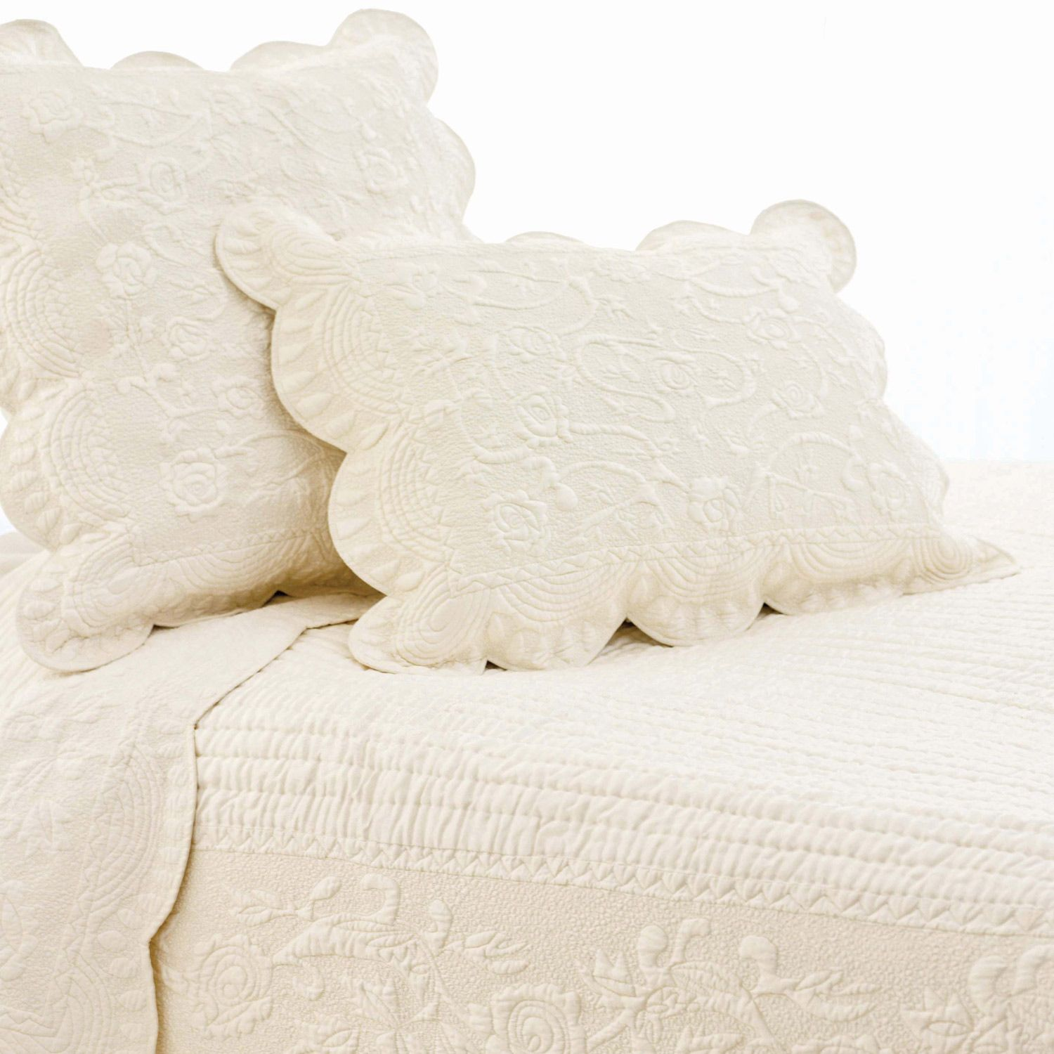 Pine Cone Hill Fanny Ivory Quilt Set @LaylaGrayce | Decor I like ... : ivory quilt set - Adamdwight.com