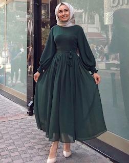 موديلات صور فساتين سواريه 2020 للمحجبات جديدة مجموعة صور فساتين سواريه 2020 للمحجبات جدي Muslim Fashion Dress Muslimah Fashion Outfits Muslim Fashion Outfits