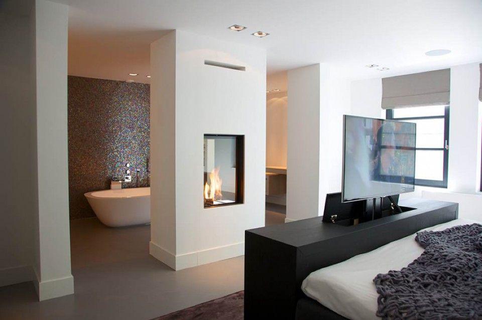 Best Badkamer Ensuite Gescheiden Door Wand Met Open Haard 640 x 480