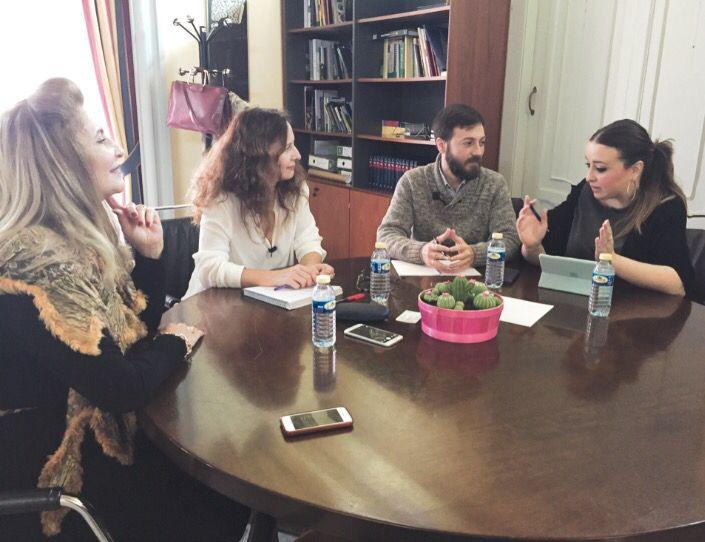 Esta mañana la Asociación de Empresas Turísticas de Cádiz (AETC) hemos mantenido una reunión con la Delegada Provincial de Turismo y Cultura de la Junta de Andalucía. Ha sido muuuuuy positiva. Hemos presentado nuestra Asociación y hemos explicado todos los proyectos en los que estamos trabajando. Ambas partes tenemos claro nuestro objetivo: la excelencia y la calidad en el turismo de nuestra provincia.  ¿Aún no nos conoces?  www.aetcadiz.com  ¡Seguimos de lunes! :)  LOVE #love #amor…