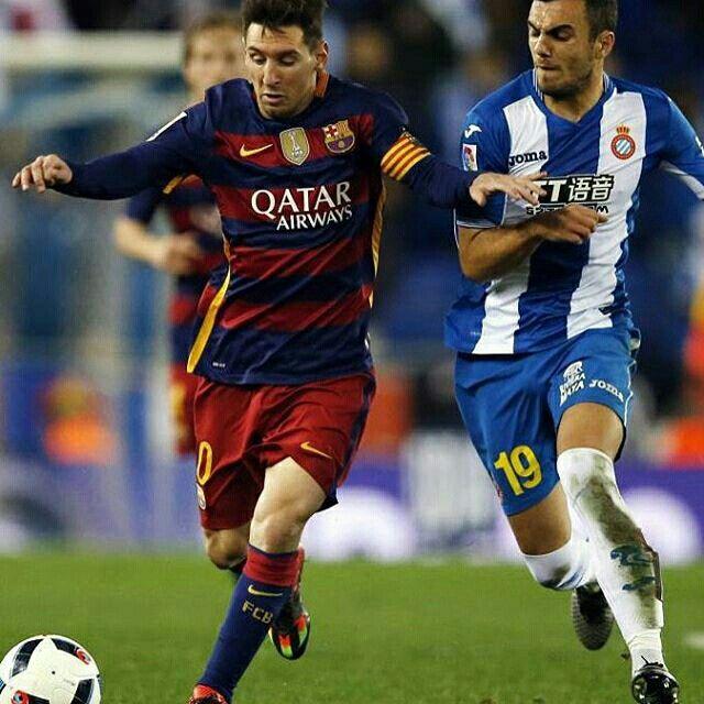 Messi in action against Espanyol  Messi en acció contra l'Espanyol  Messi en acción contra el Espanyol  @leomessi @fcbarcelona  #Messi #FCBarcelona #igersFCB