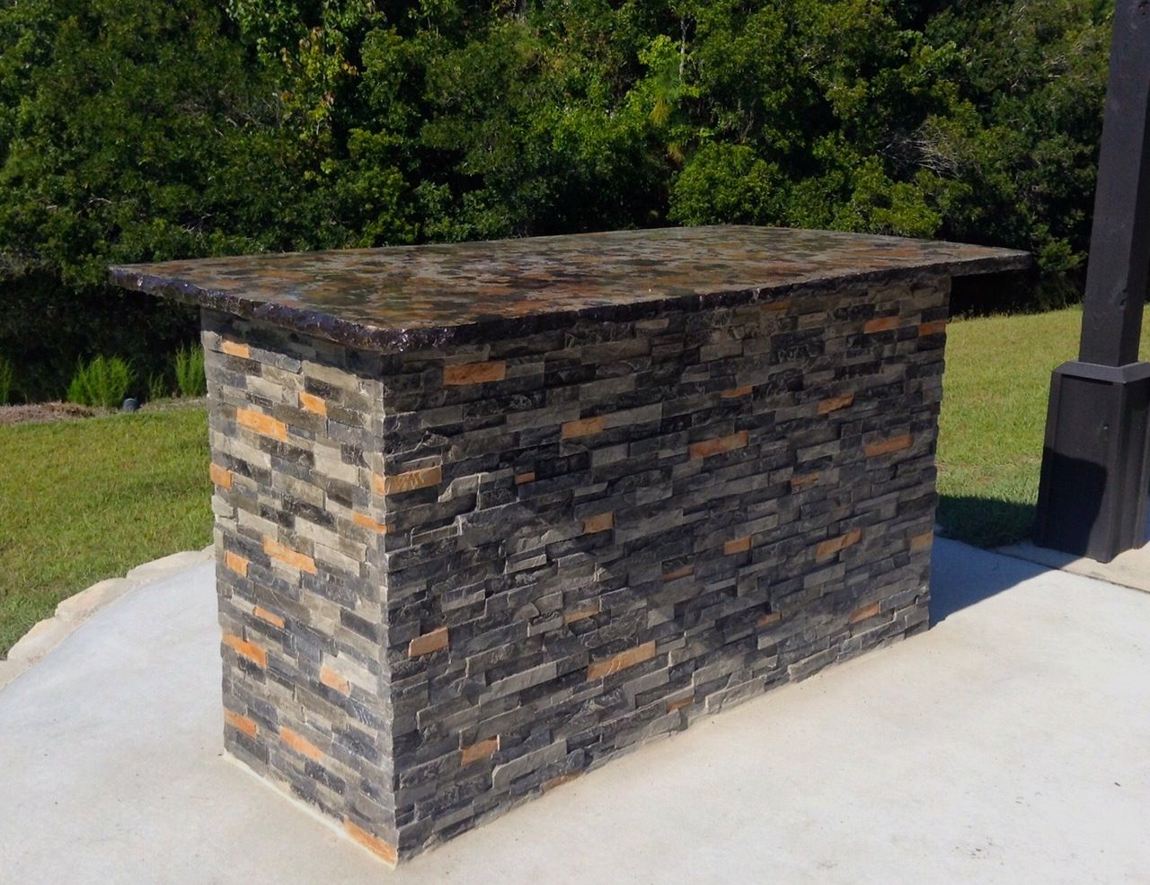 Concrete Outdoor Bar   Made To Look Like Stacked Stone U0026 Granite