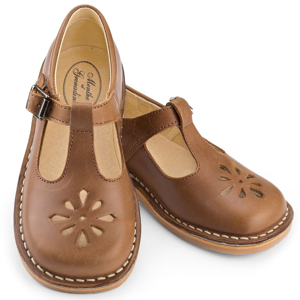 05b6cc480487c0 Childrens  T-bar shoes in brown leather with buckle from Menthe et Grenadine